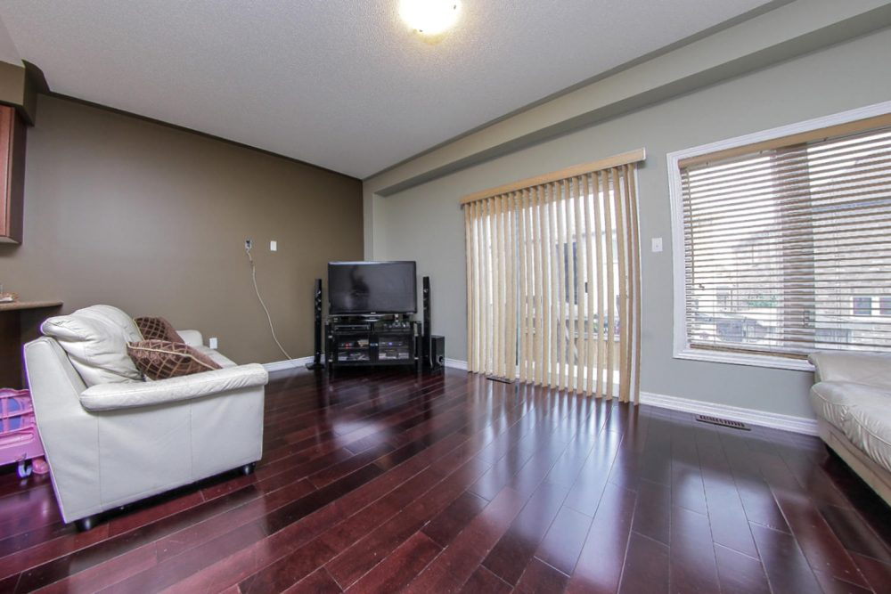 101-Frenchpark-Circle-Eclat-realty-Inc-6