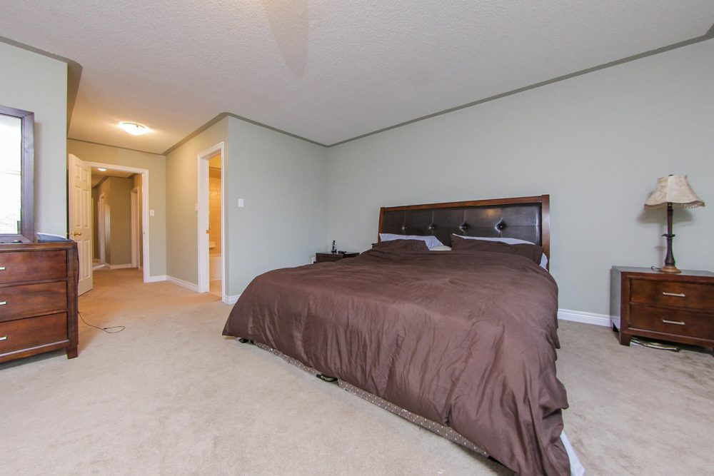 101-Frenchpark-Circle-Eclat-realty-Inc-9